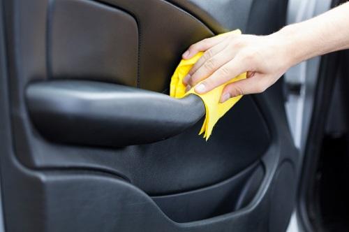 راه کارهای کاربردی برای رهایی از بوی ناخوشایند داخل خودرو